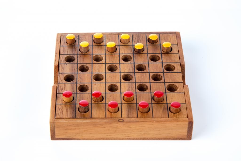 Checkers - L